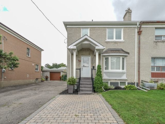 32 Connorvale Ave